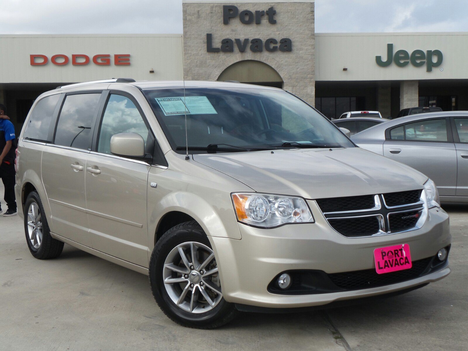 pre owned 2014 dodge grand caravan sxt 30th anniversary mini van passenger in port lavaca. Black Bedroom Furniture Sets. Home Design Ideas